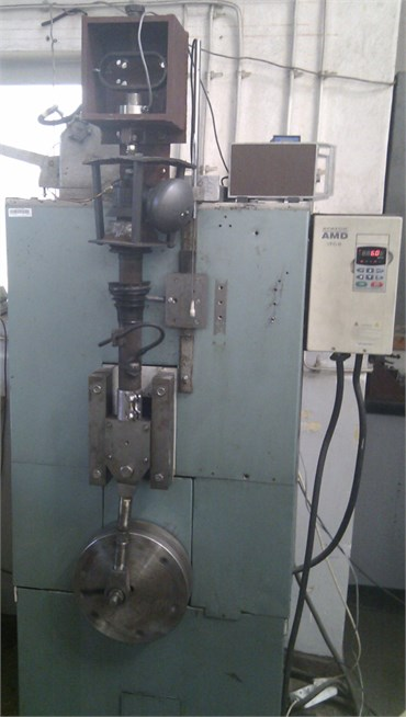 View of laboratory indicator test stand (Citroen BX and C5 strut)