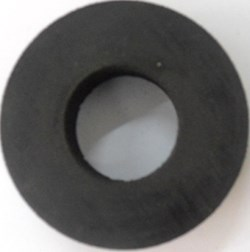 Metal rubber isolator and rubber isolator