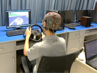 EEG signal acquisition on a simulated driving platform