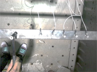Set up of measurement sensors and impact hammer