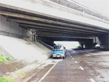 Freeway overpass with significant levels of ground noise