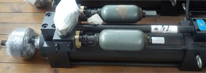 The hydraulic cylinder