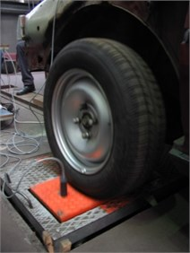 Accelerometers on measurement points