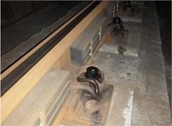 Double-block non-ballasted track  with the rail vibration absorbers
