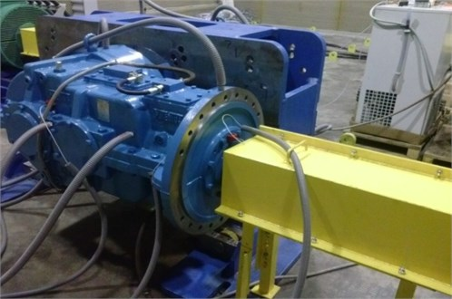 View of the test gearbox during the tests