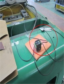 Installations of strain foils and wireless strain gauges