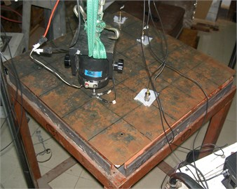 Photo of measuring acceleration response in the plate
