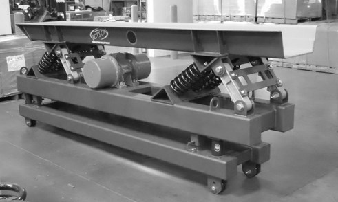 Vibratory conveyor with two masses [3]
