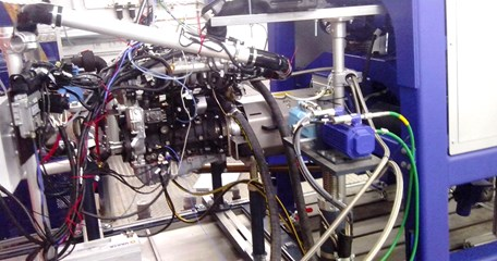Engine test bench with the straight-4 compression-ignition engine