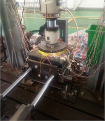 Confined compression test device