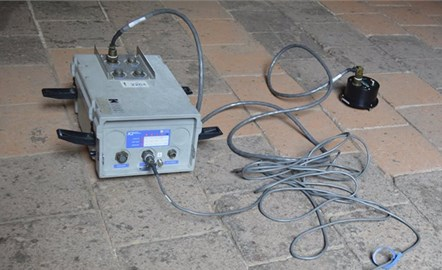 Ambient vibration measurements on the cloister ground level